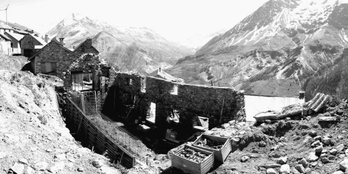 Réhabilitation d'une ferme d'alpage : 2005-09-cuel-pano1 NB
