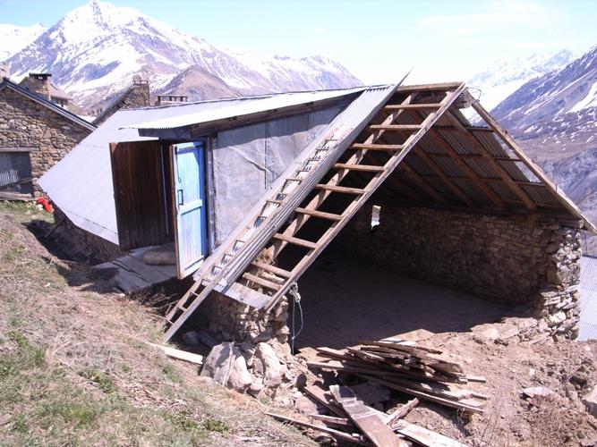 Réhabilitation d'une ferme d'alpage : 2005-09-cuel-R0014858.JPG