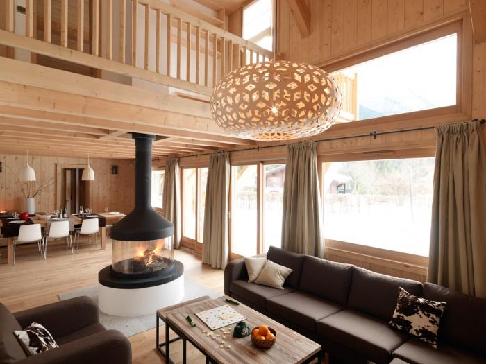 4 chalets_CH : Liarets 3 living room.jpg