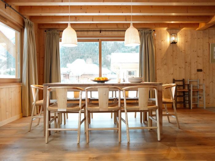 4 chalets_CH : Liarets 4 living room.jpg