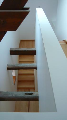 Maison B : vide sur escalier