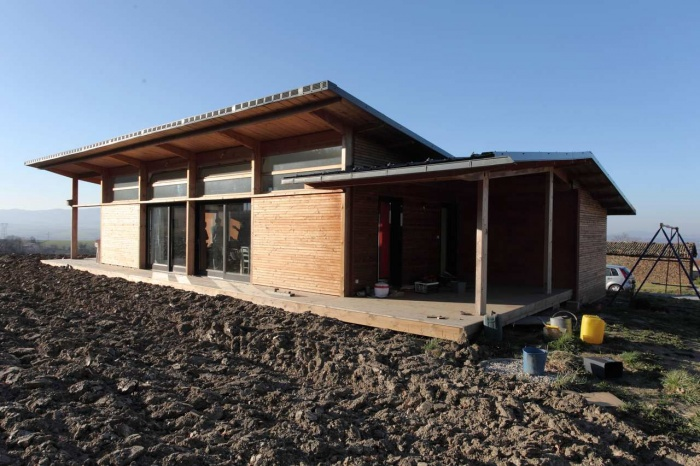 Maison bois bioclimatique / Basse énergie : oikos_echalas_17